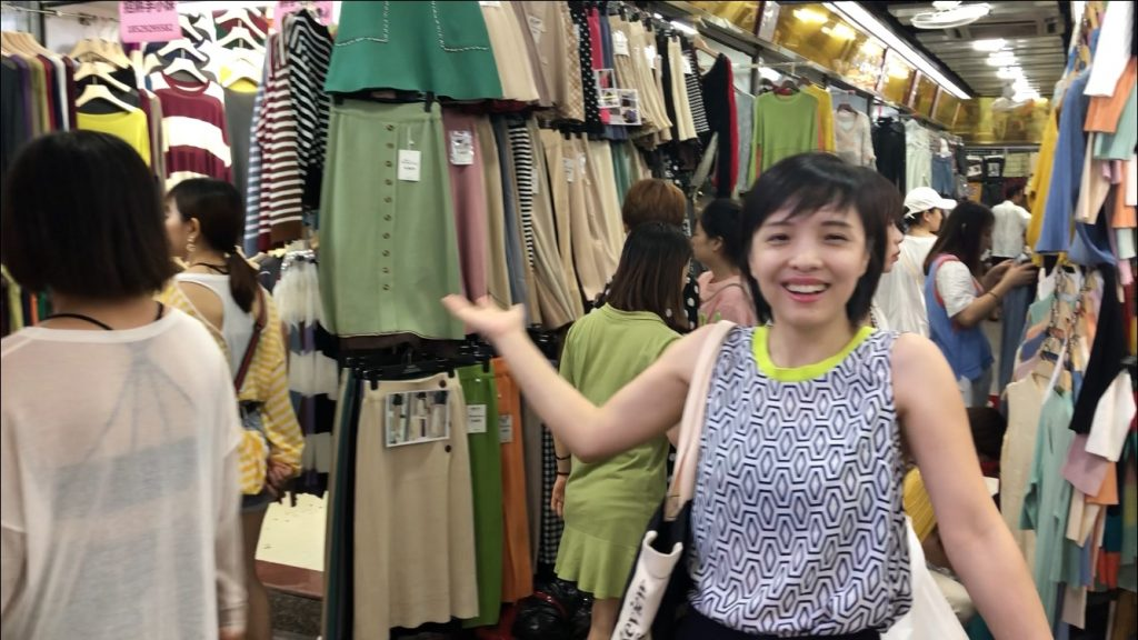 Guangzhou Shahe Jinma clothes wholesale market